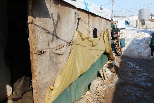 A tent settlement in Bekaa Valley © Carmen Andres